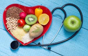 Dieta zapobiegająca chorobom serca – co spożywać a czego unikać?